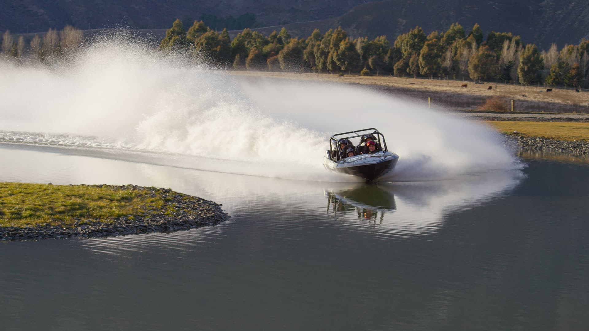 Oxbow Jet Sprint Boat Group Ride on the racetrack